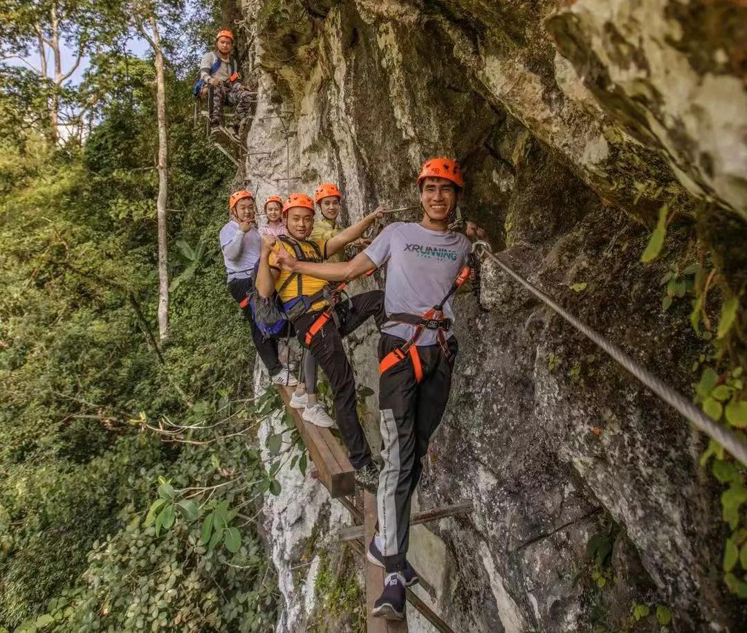 这是中国唯一的雨林飞拉达,来一场石灰山季雨林科考体验可好?
